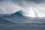 Hawaii Maui Kyle Lenny Surfing Monster Waves at Pe'Ahi Jaws