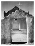 Front view of entrance, Church, Taos Pueblo National Historic Landmark, New Mexico, 1942 Reproduction d'art par Ansel Adams