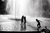 Fountain Play Tableau sur toile par Evan Morris Cohen