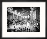 Lifestyle Instant, Grand Central Terminal, Black and White Photography Vintage, Manhattan, NYC, US Reproduction encadrée par Philippe Hugonnard