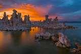 Unique Tufa Formations at California's Mono Lake at the Foot of the Eastern Sierra'S  USA