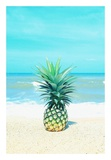 Pineapple on the Sand Reproduction d'art par Tai Prints