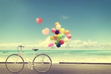 Bicycle Vintage with Heart Balloon on Beach Blue Sky Concept of Love in Summer and Wedding Papier Photo par Jakkapan