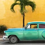 Cuba Fuerte Collection SQ - Beautiful Retro Green Car