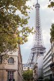 Eiffel View II Papier Photo par Laura Marshall