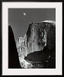 Lune sur Half Dome, parc national de Yosemite, 1960 Reproduction encadrée par Ansel Adams