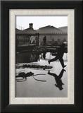 Derriere la Gare Saint-Lazare, Paris Reproduction encadrée par Henri Cartier-Bresson