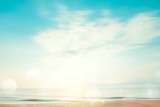 A Seascape Abstract Beach Background. Panning Motion Blur and Bokeh Light of Lens Flare, Pastel Col Papier Photo par Jakkapan