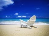 Chaise longue sur une plage déserte Papier Photo par Randy Faris