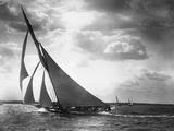 Le yacht Mohawk en mer Papier Photo