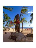 Duke Kahanamoku's Statue on Waikiki Beach