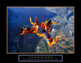 Teamwork: Skydivers