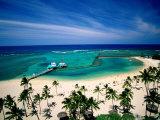 Waikiki Beach Fronting the Hilton Hawaiian Village Hotel  Honolulu  USA