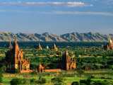 Plains of Bagan  with Two Guni Pahtos and the Dhamma Yan-Zi-Ka Zedi  Old Bagan  Mandalay  Myanmar