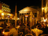 Outdoor Dining Near Pantheon  Rome  Italy