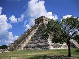 El Castillo Pyramid at Chichen Itza  Unesco World Heritage Site  Yucatan  Mexico  North America