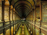 Gallery of the Old Library, Trinity College, Dublin, County Dublin, Eire (Ireland) Papier Photo par Bruno Barbier