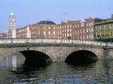 Father Mathey Bridge, Liffey River, Dublin, County Dublin, Eire (Ireland) Papier Photo par Bruno Barbier