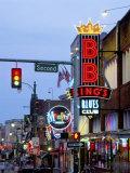 Beale Street at Night, Memphis, Tennessee, USA Papier Photo par Gavin Hellier