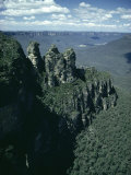 Rock Formations of the Three Sisters from Echo Point  Blue Mountains  Australia