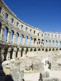 Arched Walls and Columns of 1st Century Roman Amphitheatre  Pula  Istria Coast  Croatia