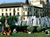 People Relaxing in Plaza de Catalunya  Barcelona  Catalonia  Spain