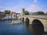 Henley on Thames  Bridge and River Boat  Oxfordshire  England