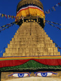 Close up of the Buddhist Stupa at Bodnath (Bodhnath) (Boudhanath), Kathmandu Valley, Nepal, Asia Papier Photo par Bruno Morandi