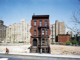 Construction in NYC: Land Being Cleared For 20 Story Building in East 60s Papier Photo par Dmitri Kessel