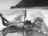 Betty Brooks and Patti McCarty Motor Boating at Catalina Island Papier Photo par Peter Stackpole
