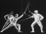 Multiple Exposure of New York University Fencing Champion Arthur Tauber Parrying with Sol Gorlin Papier Photo par Gjon Mili