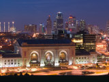 Union Station (b1914) and Kansas City Skyline  Missouri  USA