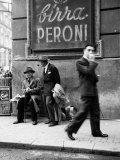 Hommes dans une rue à Naples Reproduction d'art