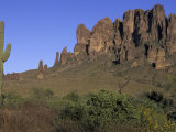 Superstition Mountains  Lost Dutchman State Park  Arizona  USA
