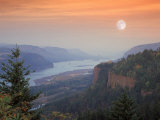 Moon Hangs Over the Vista House  Crown Point  Columbia river Gorge  Oregon  USA
