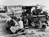Suppertime for Oklahoma Family Follow Crops from California to Washington during the Depression