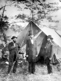 Maj Allan Pinkerton  US President Abraham Lincoln and Gen John McClernand  during the Civil War