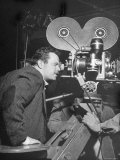 """Orson Welles Directs """"Around the World"""""""