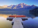 Canoe on Pyramid Lake