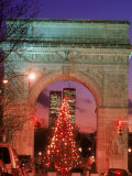 Christmas Tree in Washington Square Arch  NYC