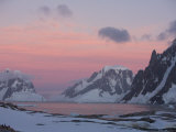 Sunset Light on Lemaire Channel, Antarctic Peninsula Papier Photo par Hugh Rose