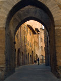 Walking Down the Medieval Streets  San Gimignano  Tuscany  Italy