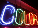 "Neon Sign Celebrates Color at the ""Light 'N Up"" Neon Studio"