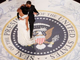 President Barack Obama and First Lady Michelle Dance  Commander in Chief Ball  January 20  2009
