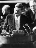 President John F. Kennedy Delivers Inaugural Address after Taking Oath of Office, January 20, 1961 Papier Photo