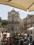 Facade of Santa Lucia Alla Badia and Cafe in the Piazza Duomo  Ortygia  Syracuse  Sicily  Italy