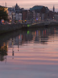 River Liffey at Dusk  Ha'Penny Bridge  Dublin  Republic of Ireland  Europe