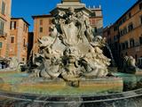 Fountain in Piazza Della Rotonda