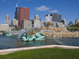 Buckingham Fountain in Grant Park with Sears Tower and Skyline Beyond  Chicago  Illinois  USA