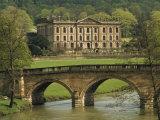 Bridge over the River and Chatsworth House  Derbyshire  England  United Kingdom  Europe